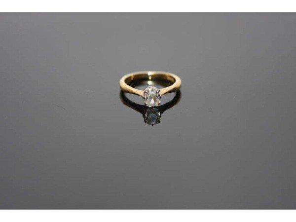 12: 18K GOLD SOLITAIRE DIAMOND RING SET