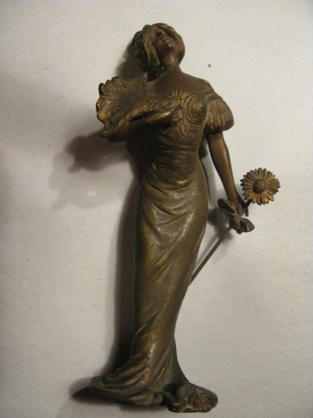 9: COLD BRONZED FIGURE OF YOUNG LADY