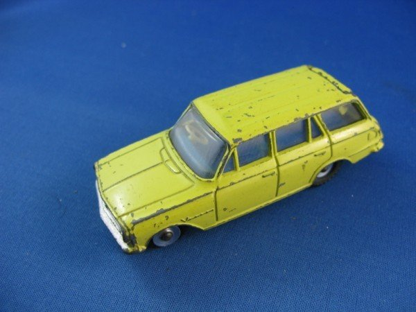 13: DINKY TOY