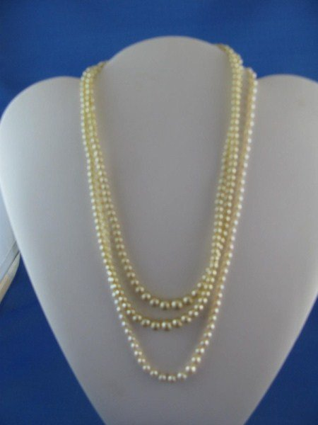 6: TWO GRADUATED PEARL NECKLACES