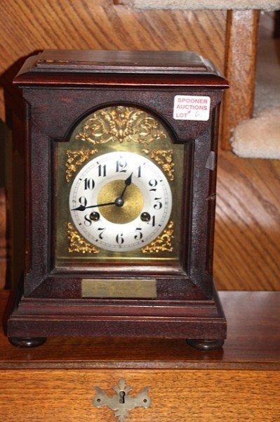 EARLY 1900'S MAHOGANY CASE MANTEL CLOCK