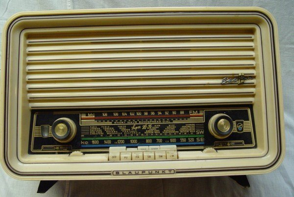 BLAUPUNKT SULTAN 3D 1957 TABLE TOP TUBE RADIO