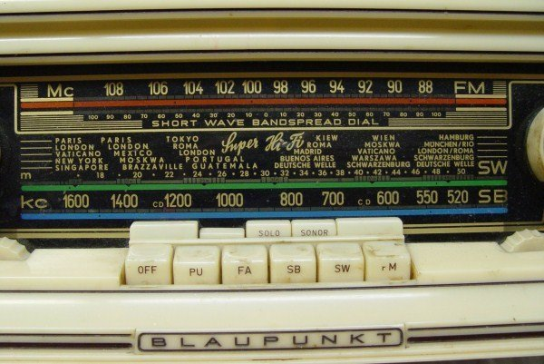 BLAUPUNKT SULTAN 3D 1957 TABLE TOP TUBE RADIO - 2