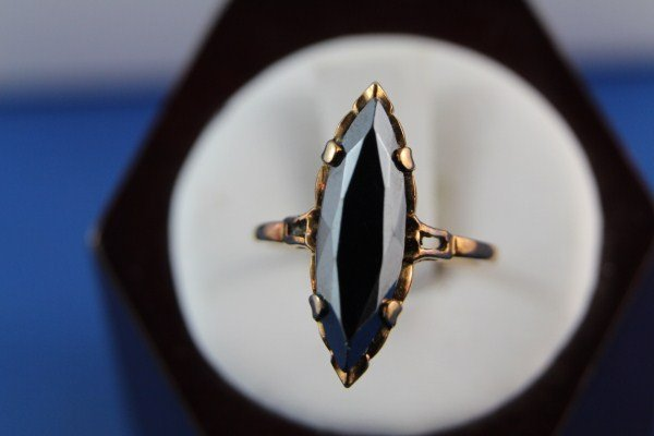 10K GOLD RING WITH BLACK MARQUISE CUT STONE