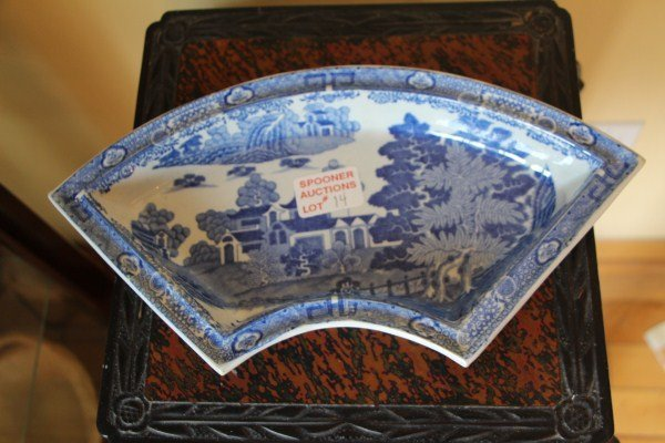 19TH CENTURY BLUE AND WHITE SPODE DISH