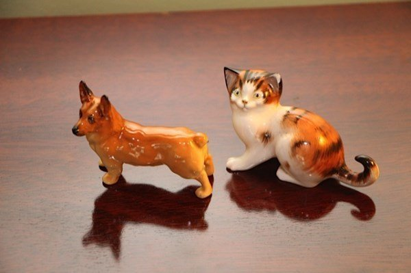 ROYAL DOULTON CORGI AND ROYAL DOULTON CAT