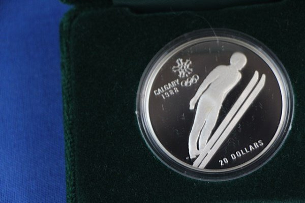 1988 CALGARY WINTER OLYMPIC GAMES $20 SILVER COIN