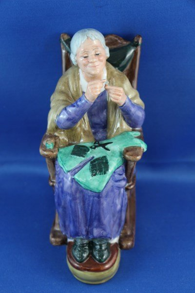 """ROYAL DOULTON FIGURINE """"A STITCH IN TIME"""" HN 2352"""