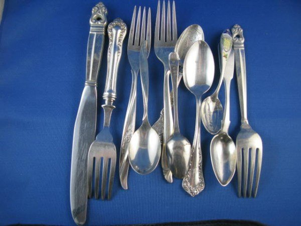 LOT OF MISCELLANEOUS STERLING FLATWARE