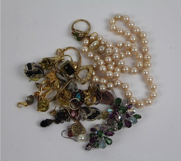 COSTUME JEWELLERY INCLUDING CHRISTIAN DIOR