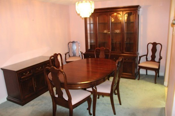 CHERRY WOOD DINING ROOM SUITE BY DEILCRAFT