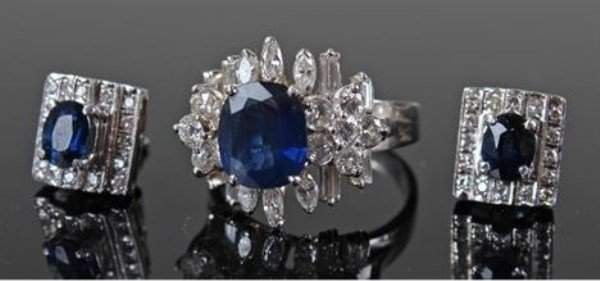 18 KT WHITE GOLD DIAMOND AND SAPPHIRE  RING