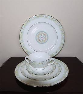 """WEDGWOOD SERVICE FOR EIGHT PLUS """"GRIFFONS"""" PATTERN"""