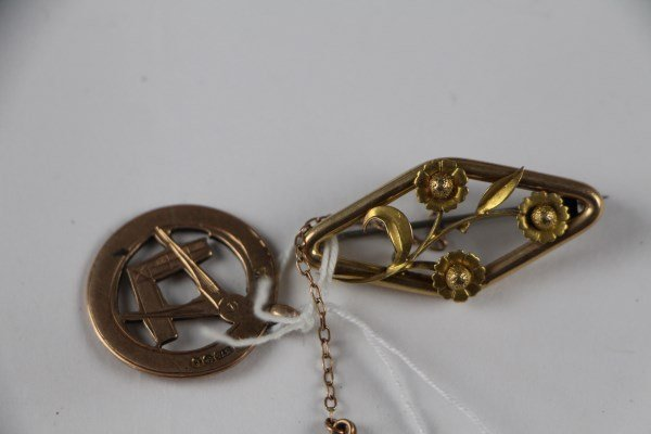9K GOLD FELLOWS PENDANT + ROLLED GOLD BROOCH