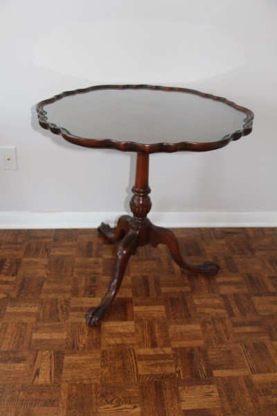 CHIPPENDALE STYLE TRIPOD BASE LAMP TABLE