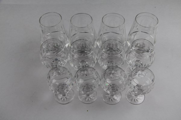 TWELVE ASSORTED EDINBURGH CRYSTAL GLASSES