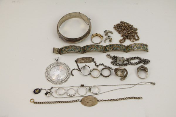ASSORTMENT OF STERLING JEWELERY