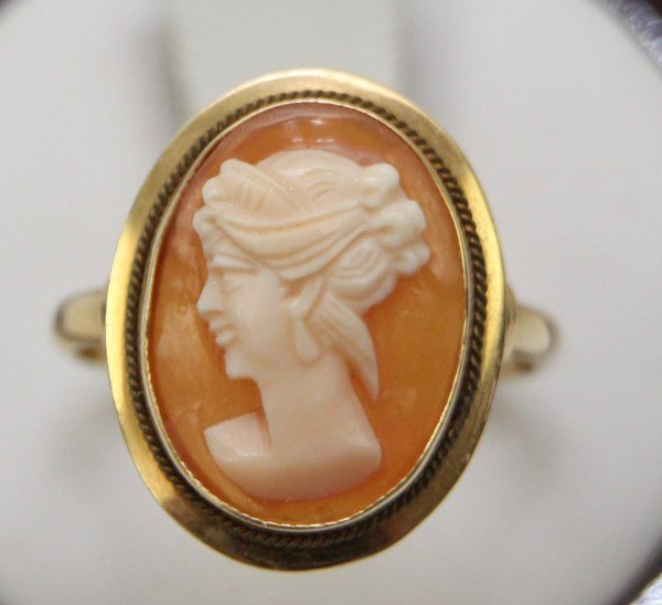 18K SHELL CAMEO RING
