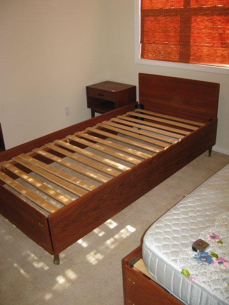 MID CENTURY MODERN  TEAK SINGLE BED