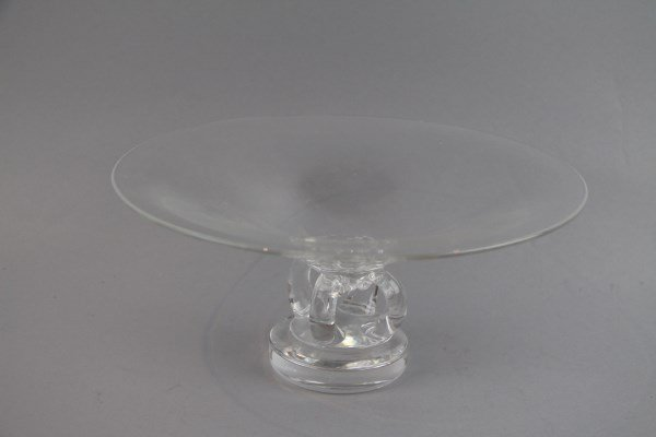 SIGNED STEUBEN LARGE CRYSTAL FOOTED BOWL
