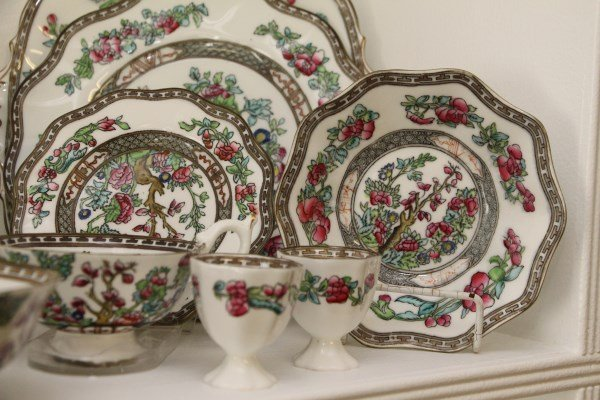 "COALPORT ""INDIAN TREE"" PARTIAL DINNER SERVICE - 2"