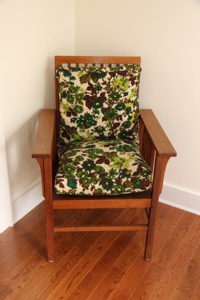 OAK  ARTS AND CRAFTS STYLE CHAIR