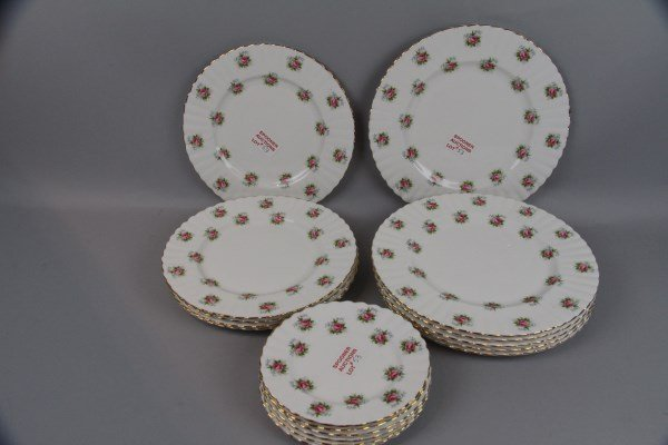 "LOT OF 17 ROYAL ALBERT ""FORGET ME NOT"" PLATES"