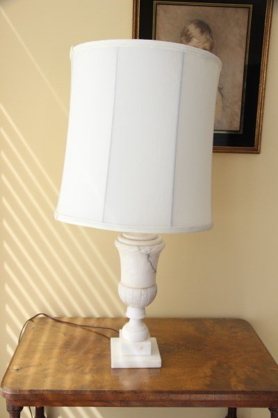 PAIR OF ITALIAN ALABASTER TABLE LAMPS