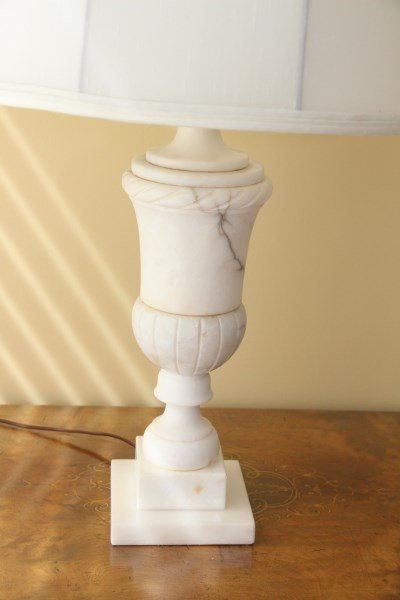 PAIR OF ITALIAN ALABASTER TABLE LAMPS - 2