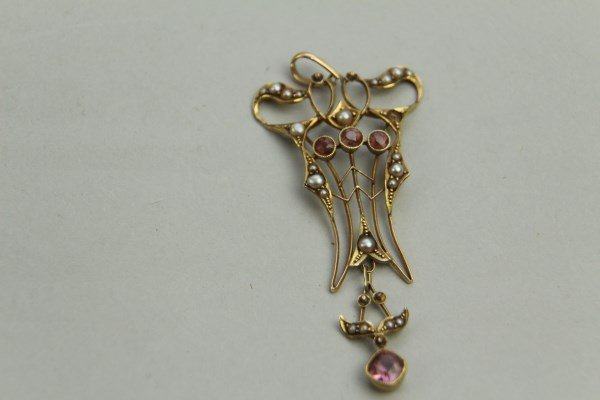 GEORGE V 14K GOLD AMETHYST AND SEED PEARL BROOCH
