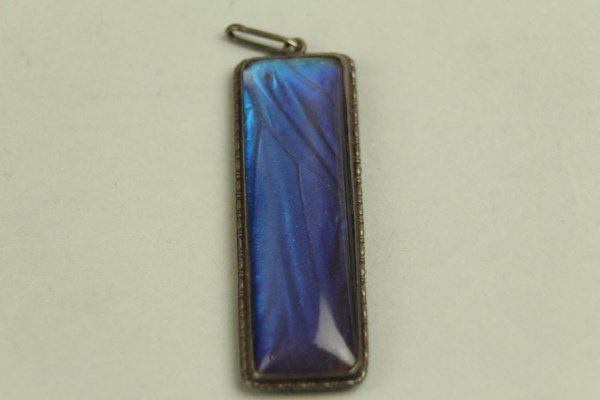EDWARDIAN OBLONG STERLING AND BLUE STONE PENDANT