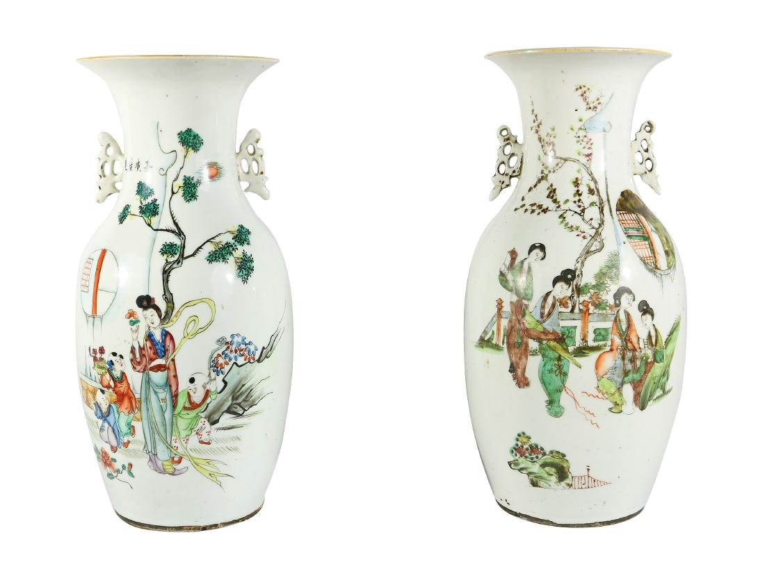 2 Large Porcelain Late 20th Century Oriental Urns