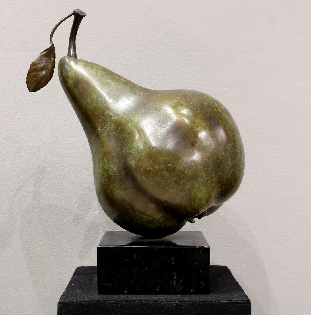 Popliteo Pear Bronze by Montoya & Ortiz