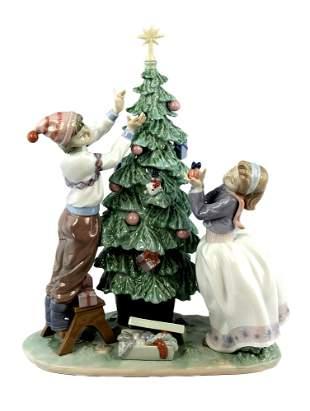 "Lladro Christmas Scene # 5897 ""Trimming the Tree"""