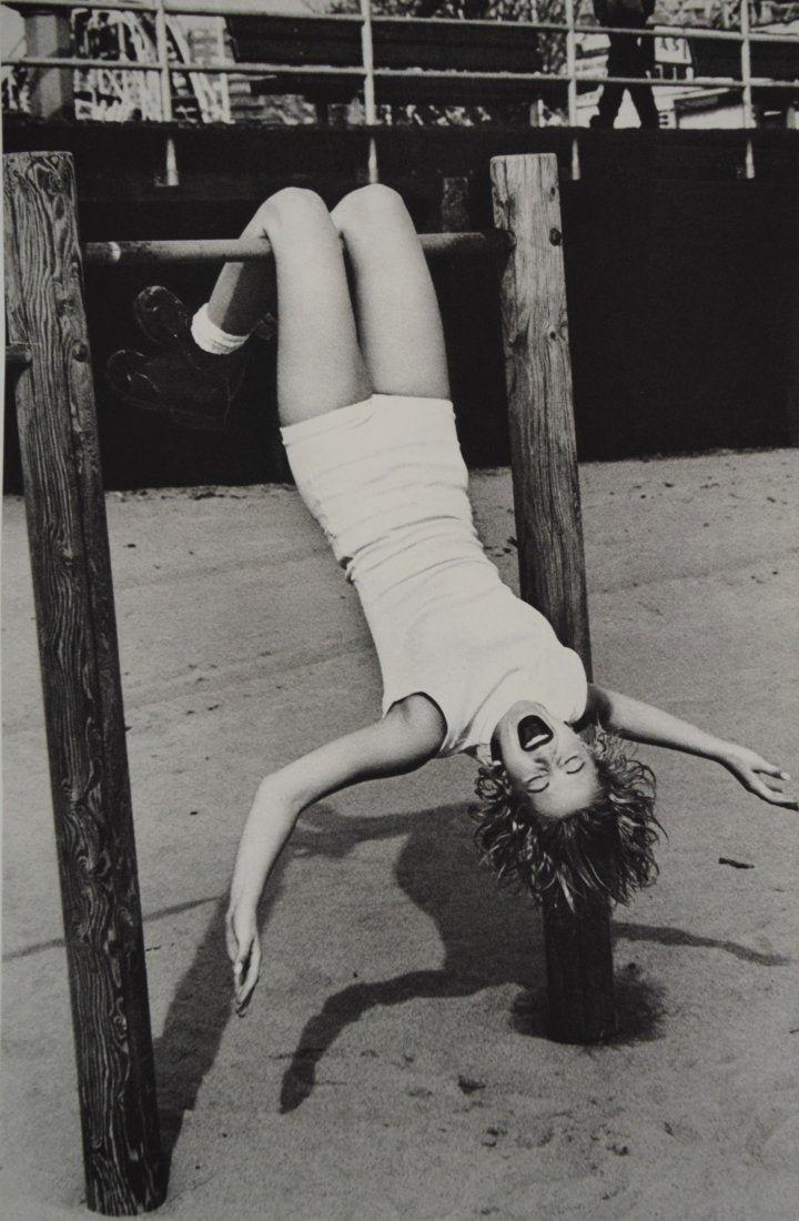 Ellen Von Unwerth - Drew Barrymore, Coney Island 1993