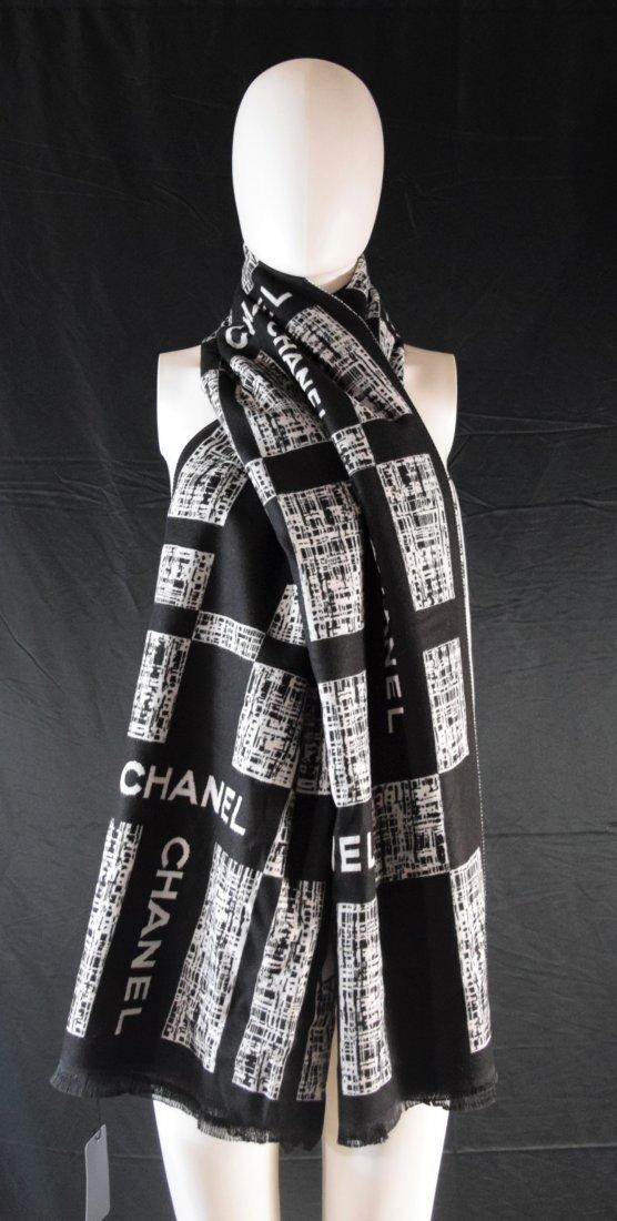 Chanel Wool Scarf (new w/tag)