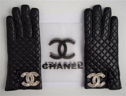 Gloves & Muffs