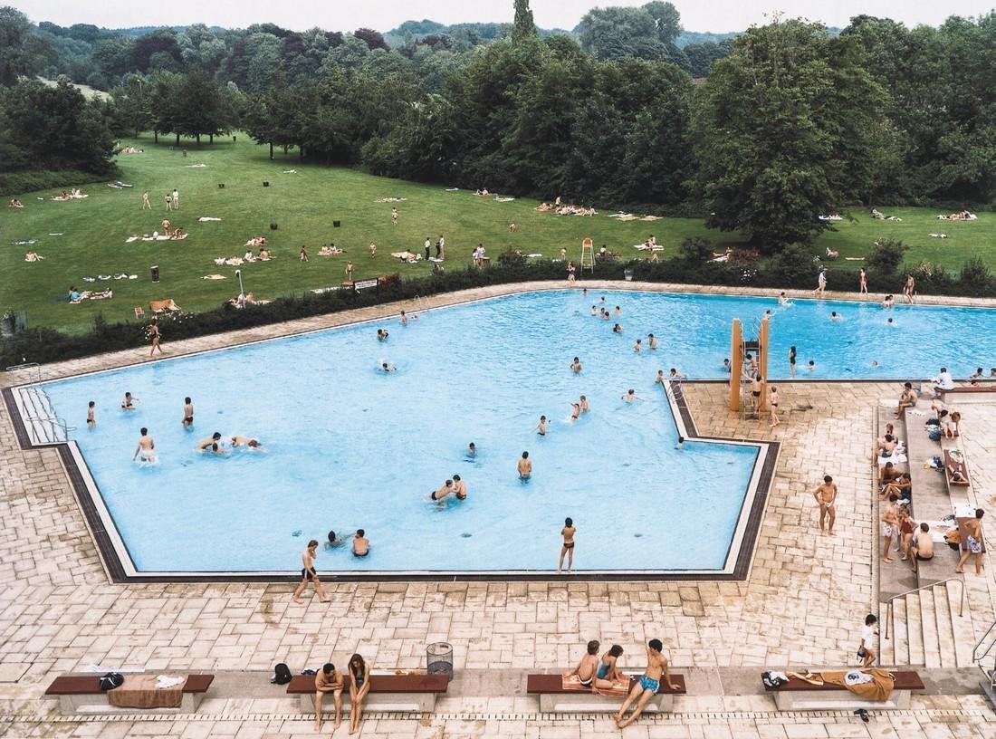 Andreas Gursky - Ratingen Swimming Pool, 1987