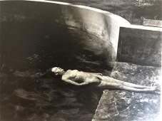 Edward Weston - Floating Nude, 1939