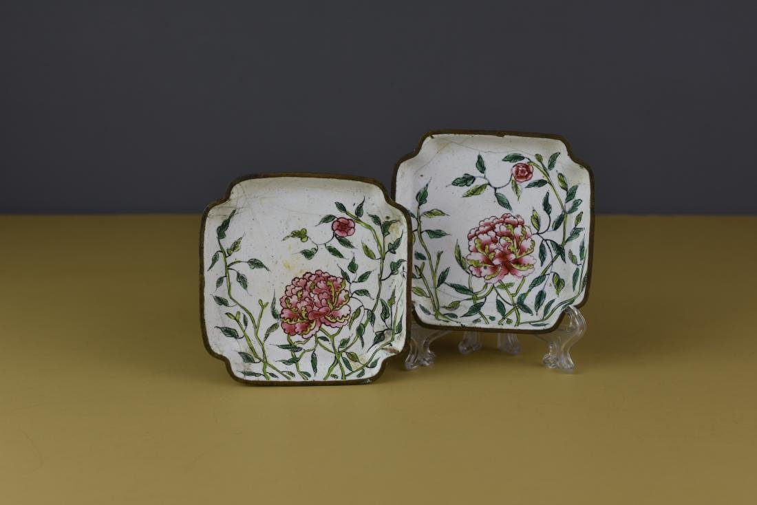 PAIR OF CHINESE CANTON ENAMEL QING FAMILLE ROSE TRAYS