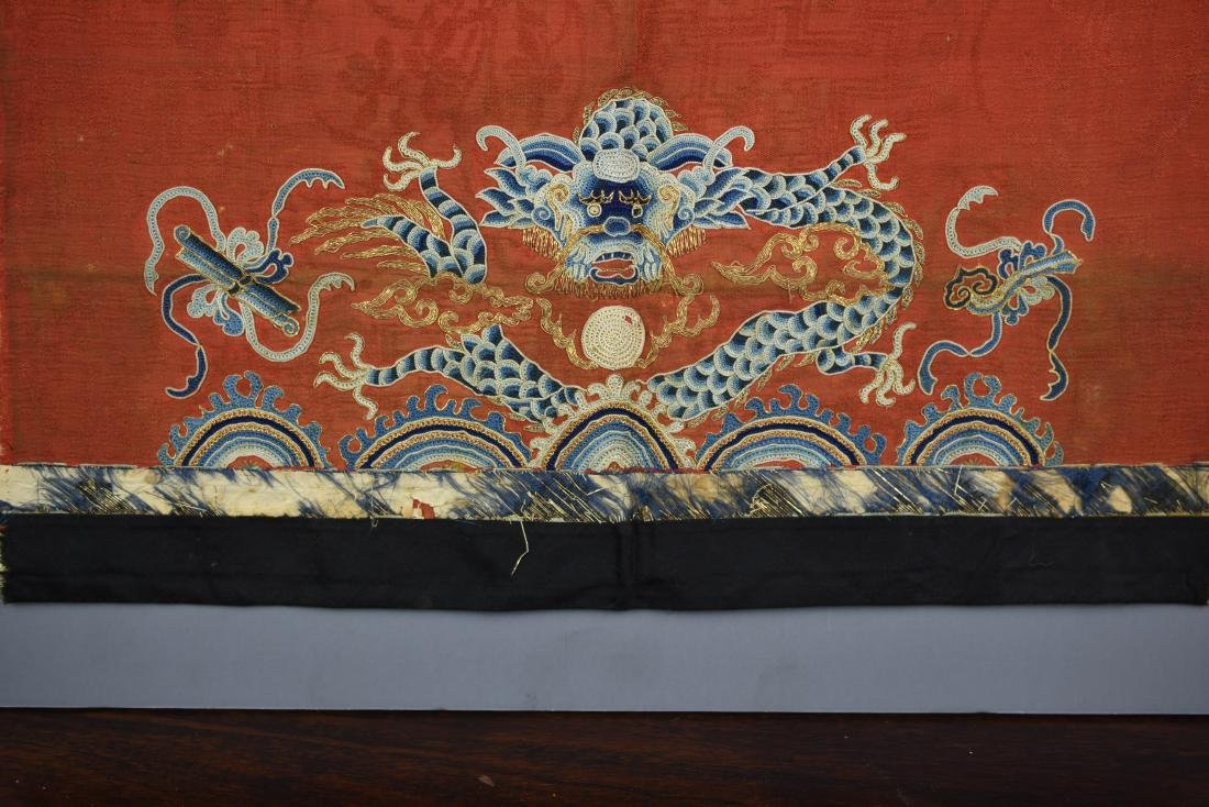 FINE CHINESE ANTIQUE DRAGON EMBROIDERED TEXTILE - 3
