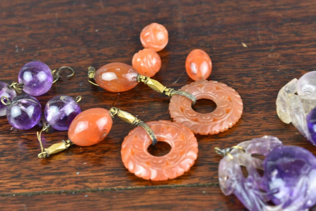 LOT OF OLD CHINESE CARNELIAN AND AMETHYST PENDANTS - 2