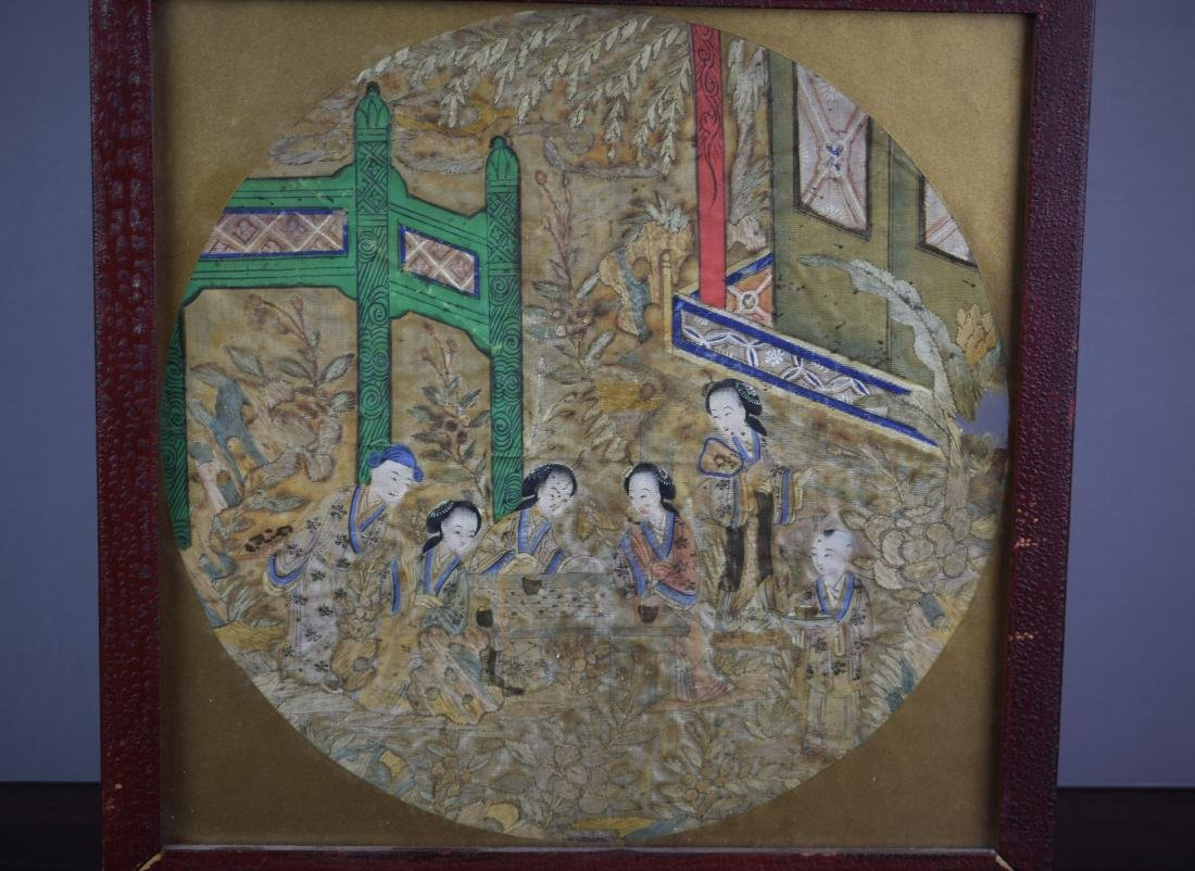 Chinese Qing Dynasty Silk Textile Roundel Painting - 2