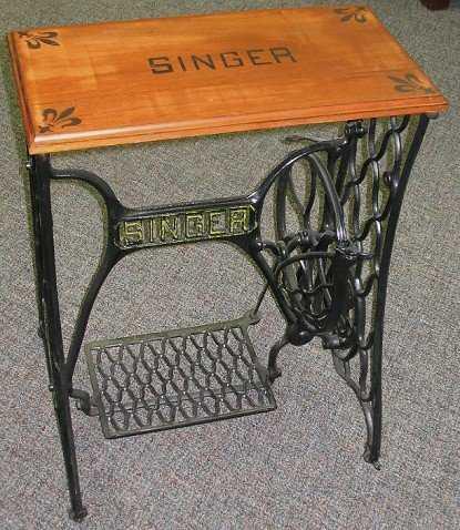 101 old singer treadle sewing machine base table nice. Black Bedroom Furniture Sets. Home Design Ideas