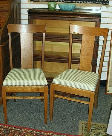 Pleasing 212 Set Of Two Antique Oak T Back Chairs Cjindustries Chair Design For Home Cjindustriesco