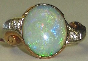 520: Antique Gold & Opal Estate Ring size 4.5