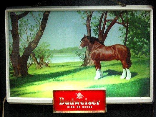 824: Vintage Budweiser Light-up Beer Sign w Clydesdale
