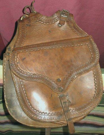 1048: Antique Western Cowboy Leather Pommel Saddle Bags