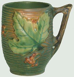 401: Vintage Roseville Pottery Bushberry Mug