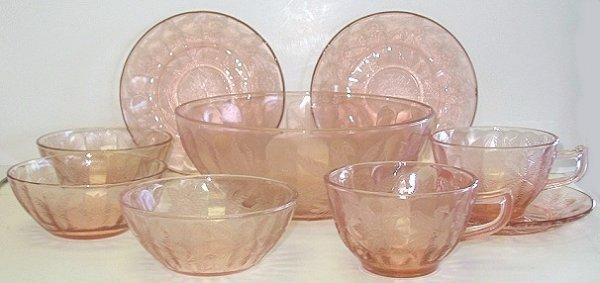 412: 9 pcs Floral/Poinsettia Pink Depression Glass
